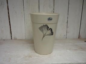 Hydrovase aus Steinzeug Ø12 / H. 18 cm in creme mit dekorativen Blatt
