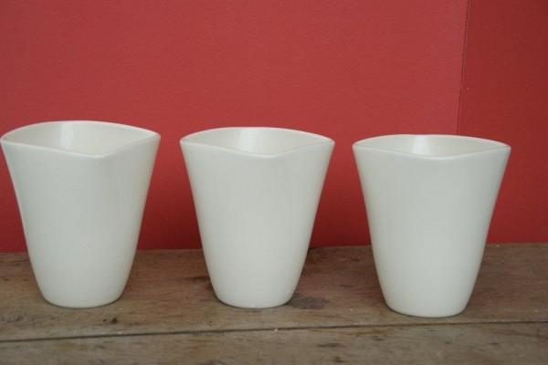 Keramikvase in verschiedenen Größen und Farben
